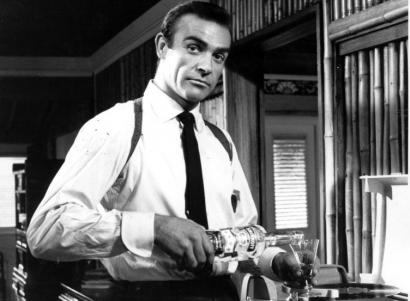 James Bond (Sean Connery) makes Vodka Martini